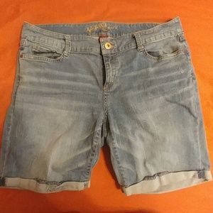 Arizona Jean Co. 14 Jr Plus Denim Shorts